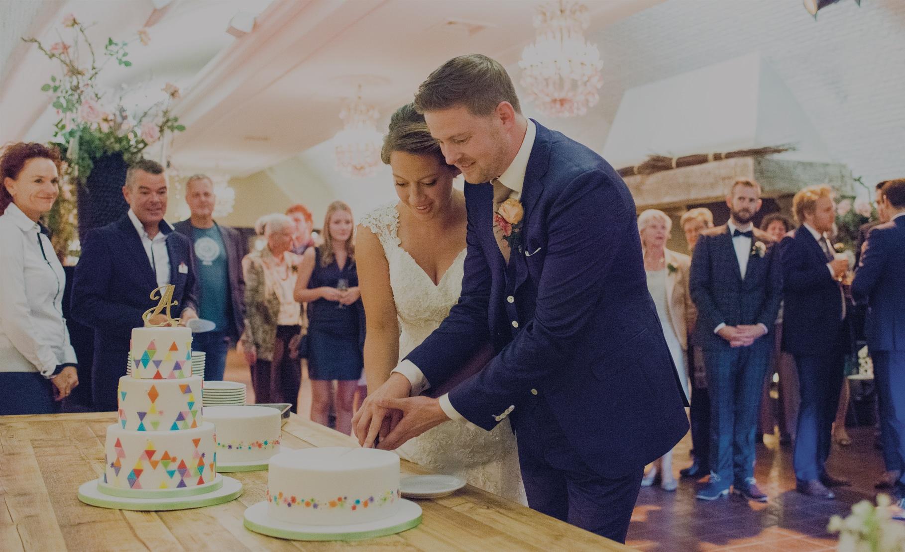Vier je bruiloft HIER.!